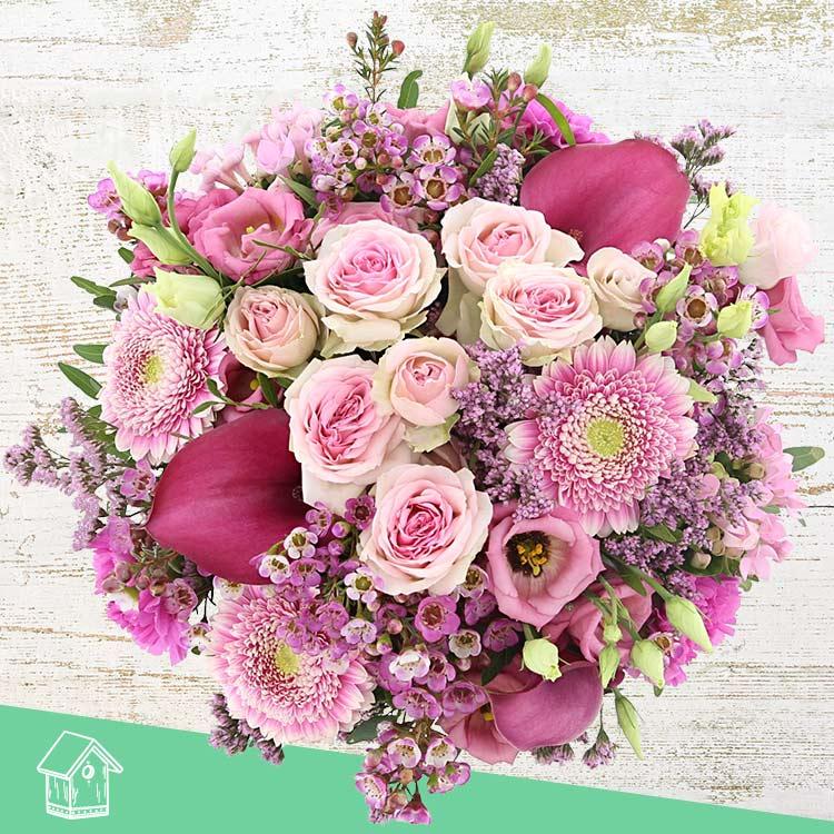 5591efbc228 Notre bouquet Pink vibes composé de germinis pompon