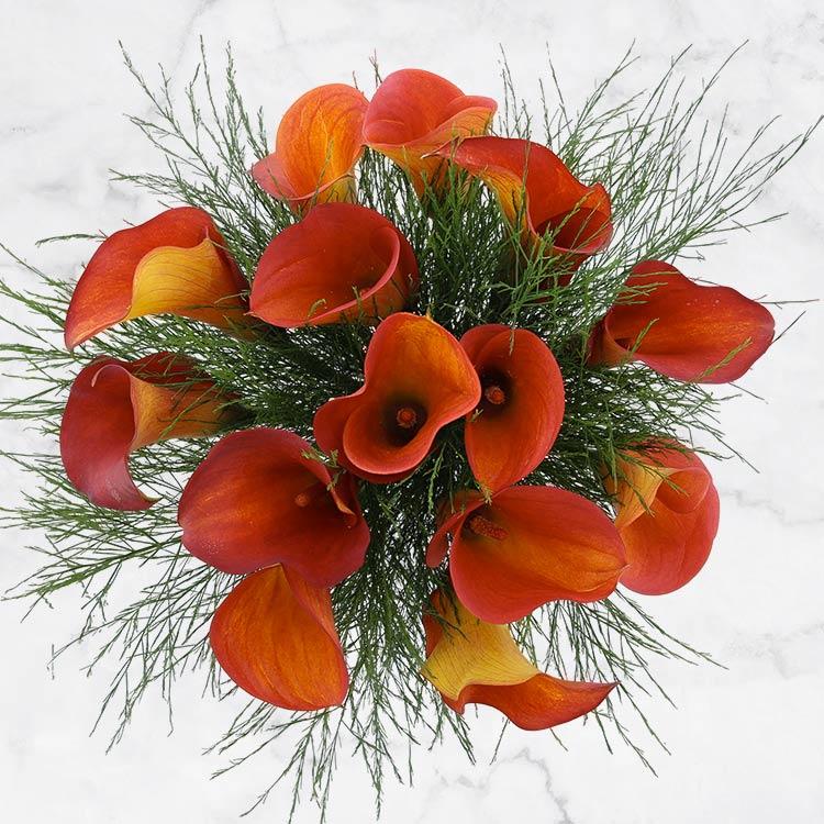 bouquet-de-callas-orange-et-son-vase-750-3137.jpg
