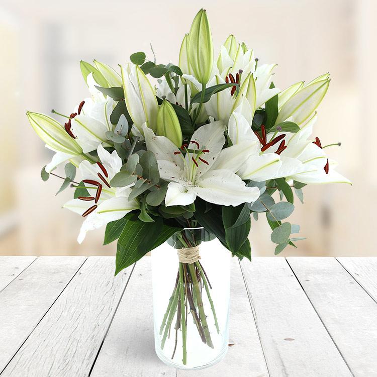 bouquet-de-lys-blancs-750-6845.jpg