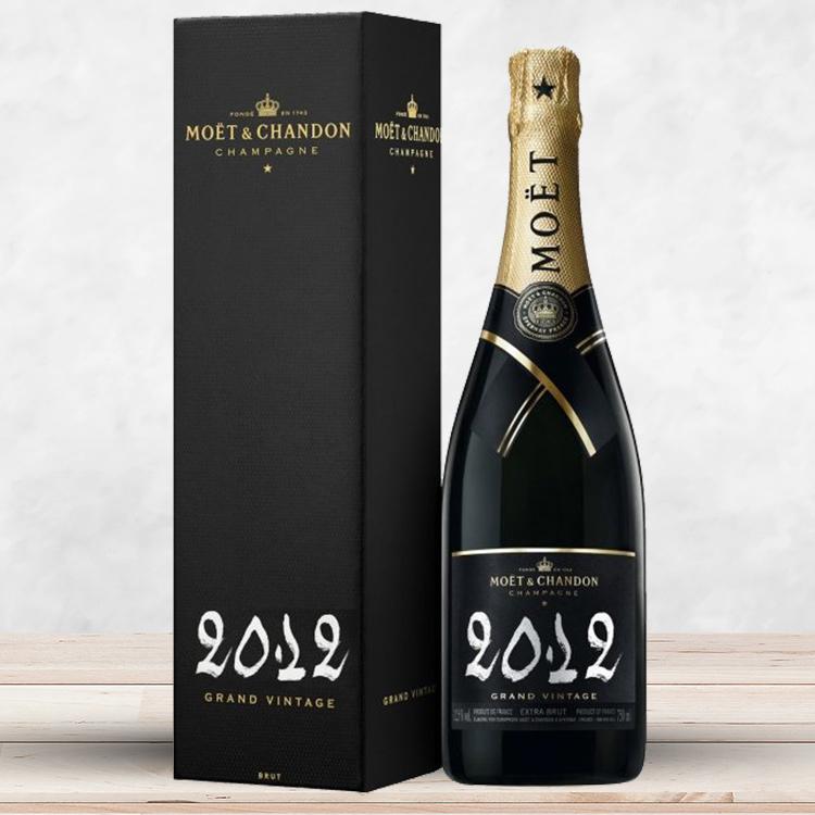bouquet-de-roses-et-son-champagne-750-4320.jpg
