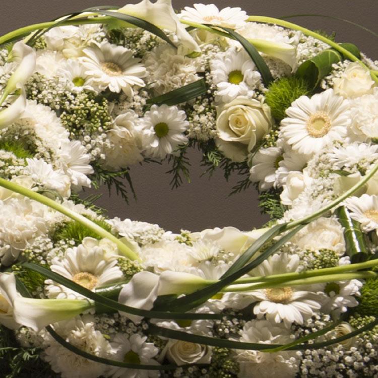 couronne-funeraire-blanche-750-5689.jpg