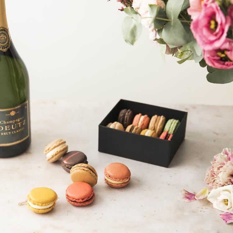 etui-de-8-macarons-chocolats-louis-750-7097.jpg