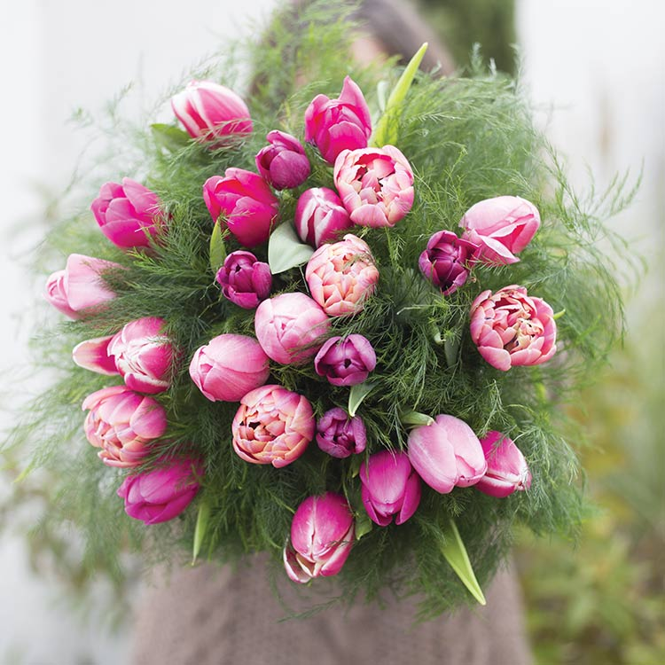 love-tulipes-xl-et-son-vase-750-5864.jpg