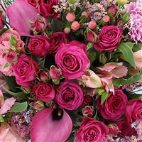 lovely-rose-et-son-vase-200-3231.jpg