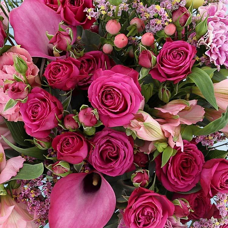 lovely-rose-et-son-vase-750-3231.jpg