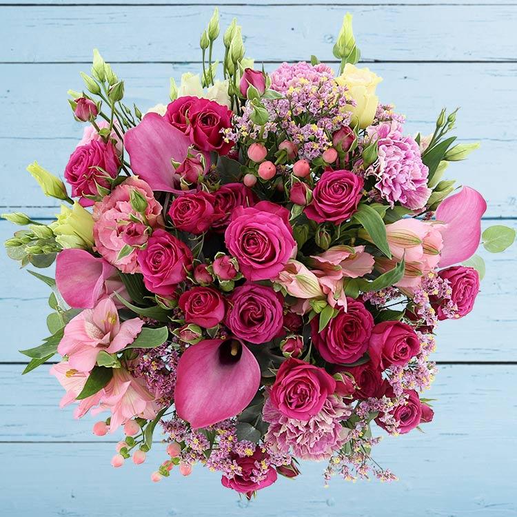 lovely-rose-et-son-vase-200-3232.jpg