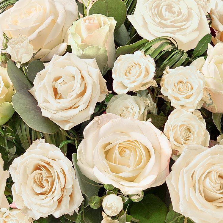 panier-de-roses-blanches-200-1600.jpg