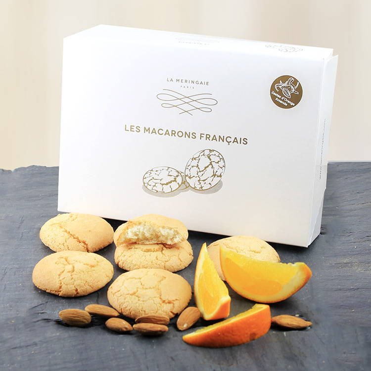poinsettia-et-ses-macarons-francais-750-3677.jpg