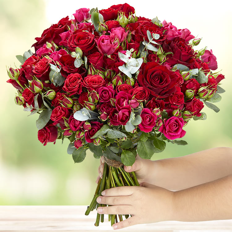red-symphonie-et-son-vase-200-4114.jpg